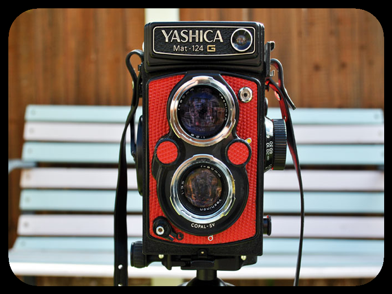 LIGHTLEAKS Yashica Mat CAMERAS  Image of Yashica Mat